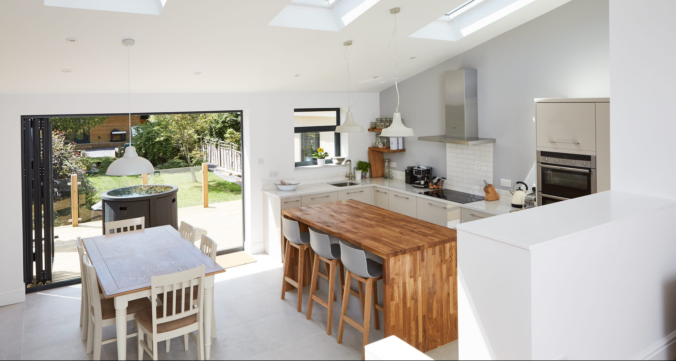 Single storey extension builders in bristol building for Kitchen design 4m x 2m
